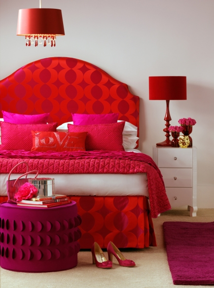 classic-pink-and-red-bedroom-decor-ideas